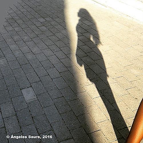 """Título: """"Metamorfosis de AISHA"""" Autor: Ángeles Saura Técnica: Fotografía País: España Todos los niños y niñas tienen derecho a igual protección social (Declaración Universal de los Derechos Humanos- Art. 25)"""