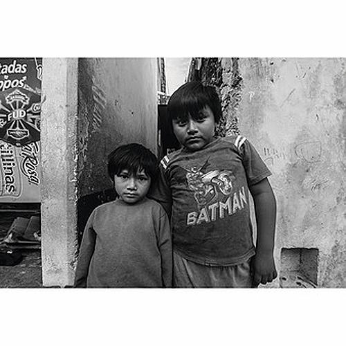 """Título: """"Los niños de mis viajes"""" Autor: Andrés Cedillo Técnica: Fotografía digital  País: México"""