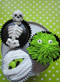Cupcakes para Halloween con esqueletos