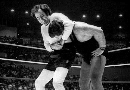 Thumb_Andy-Being-Andy-andy-kaufman-13862199-432-300