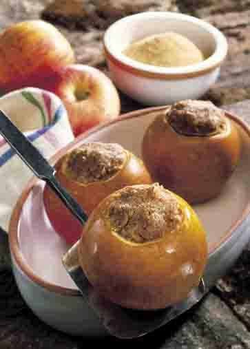 Hausmannskost: Bratäpfel mit Nussfüllung Foto: www.weihnachtsmenue.de