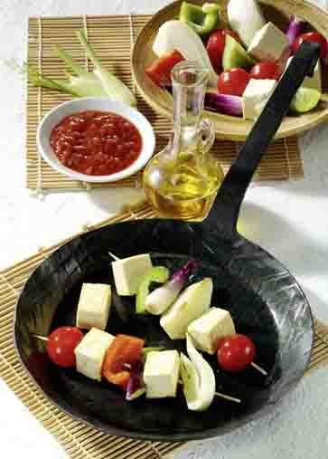 Vegetarischer Grillspieß mit Tofu Foto: Wirths PR