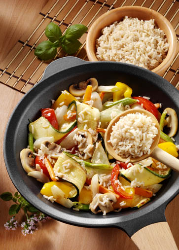 Schlanke Linie: Gemüsepfanne mit Bio Reis