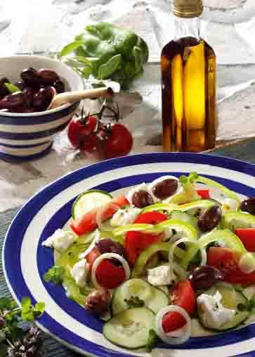 Griechischer Salat mit Feta Foto: Wirths PR
