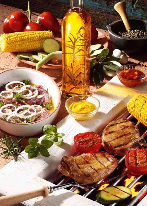Mariniertes Fleisch und Gemüse vom Grill Foto: Wirths PR