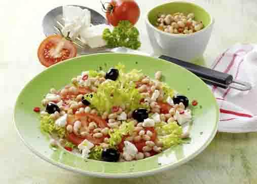 Bohnen-Tomatensalat mit Schafskäse für Diabetiker Foto: Wirths PR