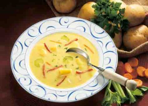 Kartoffelgerichte: Kartoffelsuppe mit Käse und Schinken Foto: Wirths PR