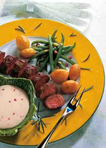 Kartoffelgerichte: Lammfilet mit gebackenen Kartoffeln Foto: Wirths PR