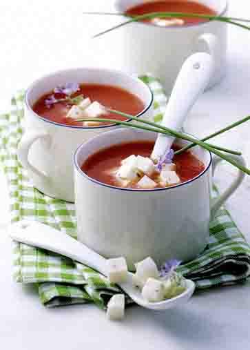 Tomaten-Mozzarella-Süppchen Foto: Wirths PR/Zott