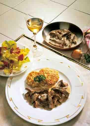 Pilzgerichte: Kalbsgeschnetzeltes mit Rösti Foto: Wirths PR