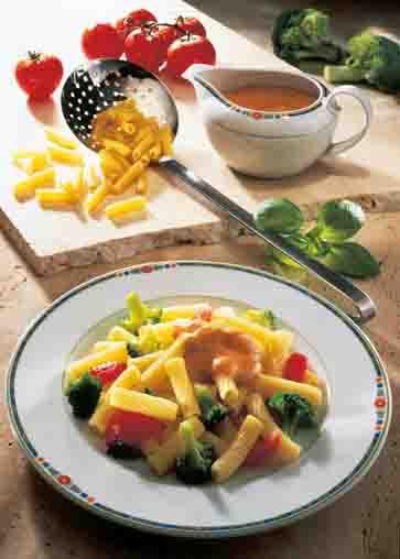 Röhrchennudeln mit Broccoli und Käsesauce Foto: Wirths PR