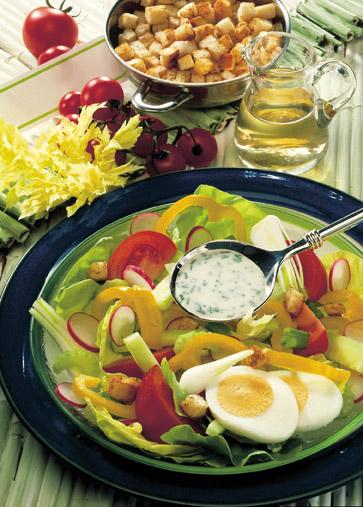 Bunter Fitness-Salat Foto: Wirths PR