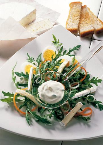 Rucola-Salat mit Rahm-Dressing Foto: Wirths PR