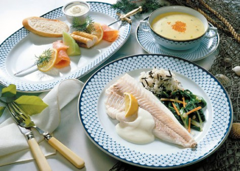 Karfreitagsmenü Fischfilet auf Mangold Foto: www.ostermenue.de