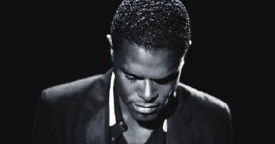 After 7 Years, Maxwell Is Back At It With 'blackSUMMERS'night'