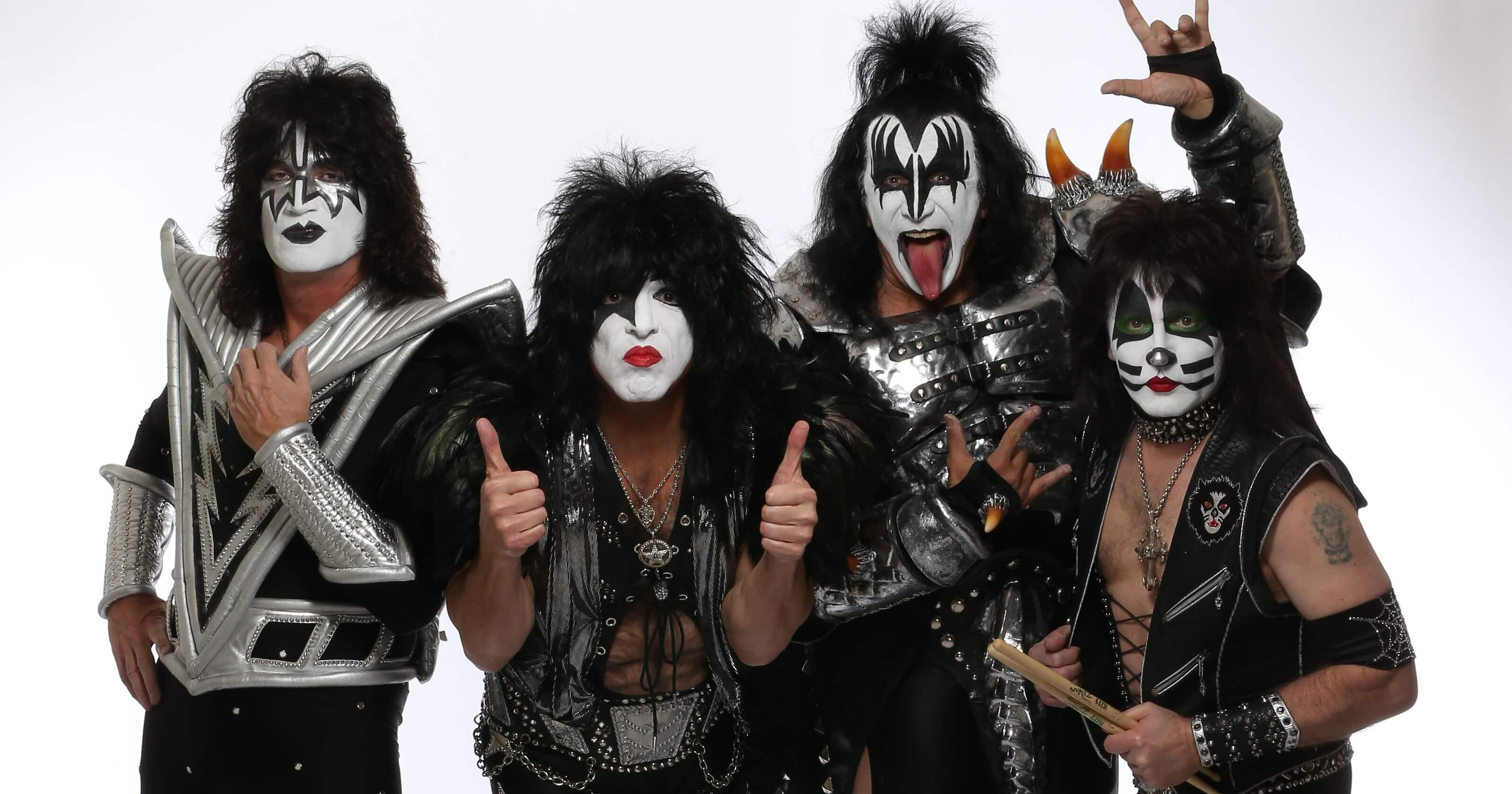 KISS   AMERICA S  1 GOLD RECORD AWARD WINNING GROUP OF ALL TIME     1396298223000 KISS KISS BAND JY 0718 62187918 1