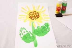 handprint_sunflower_craft_n5ofjw