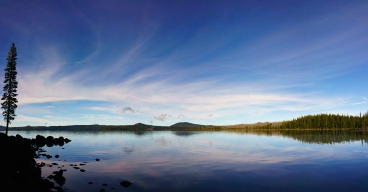 waldo-lake-reflections