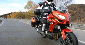 2015-Kawasaki-Versys-1000-LT-action-tracking