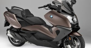 BMW-C650GT-beauty-3qtr