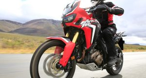 Honda-CRF1000L-AfricaTwin-action-L