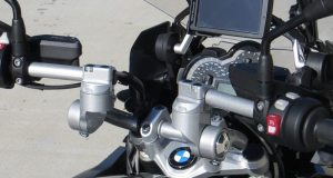 HeliBars Horizon AT Handlebars are multi-axis adjustable to customize the riding position of the BMW R 1200 GS LC.