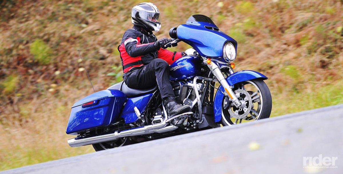 2017 Harley-Davidson Milwaukee-Eight Touring Bikes | First Ride Review ...