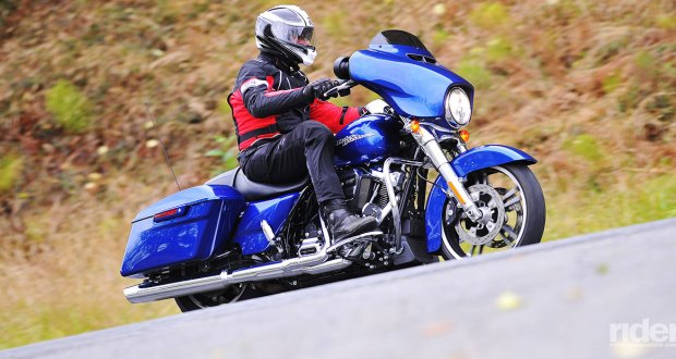 2017 Harley-Davidson Street Glide with Milwaukee-Eight 107