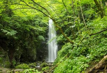 Hyakuhirono Waterfall