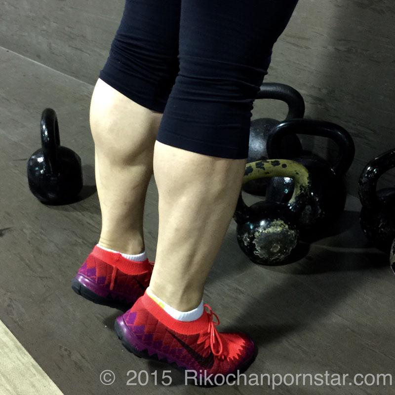 Rikochan's thick calves