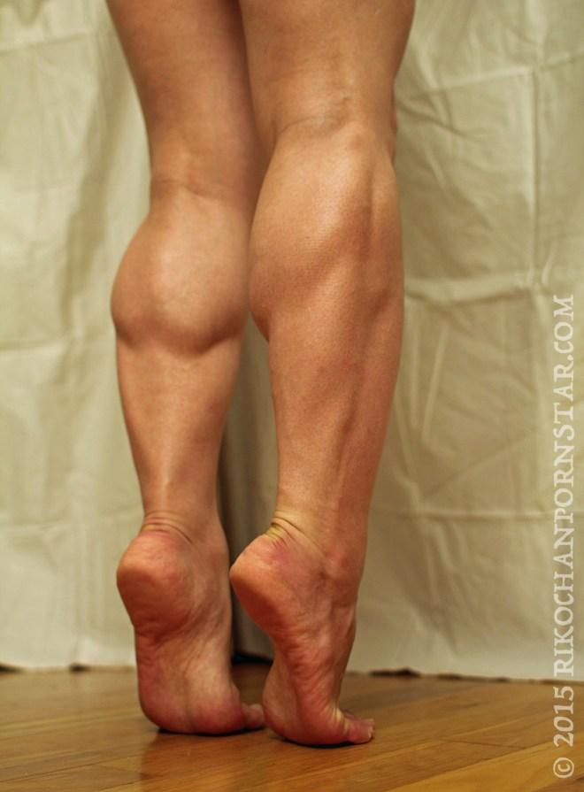 Rikochan's FBB Friday Muscular calves