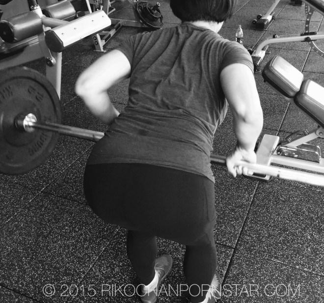 Rikochan lifting weights!