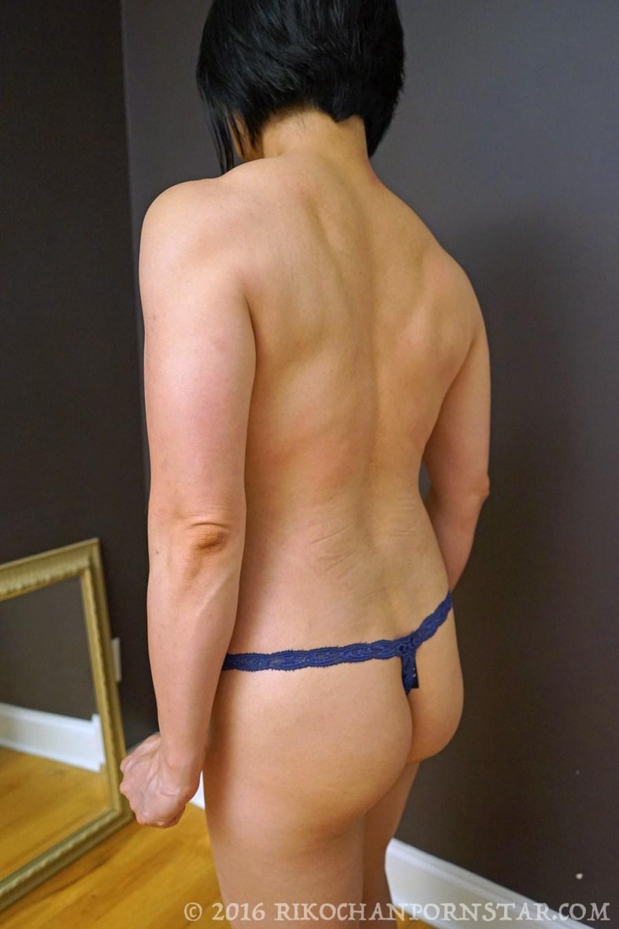 Rikochan topless bodybuilder back progress picture