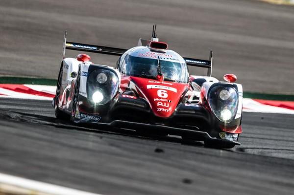 Stéphane Sarrazin, Conaway y Kobayashi vencedores con Toyota en Fuji con podio tricolor