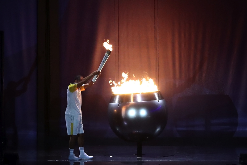 RIO_opening_flame_05-08-2016-Opening-Ceremony-85