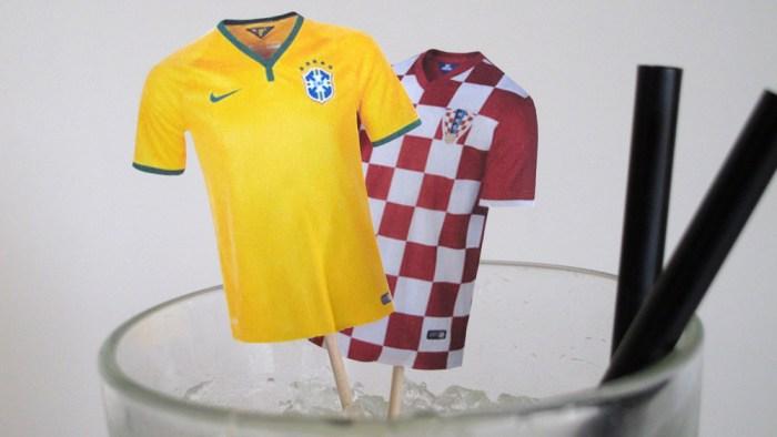 Trikots der beiden Mannschaften Brasilien und Kroatien