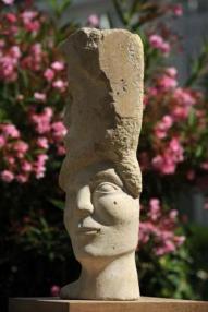 La Marche du Temps - sculpture en Roche de Saint-Pierre-Aigle