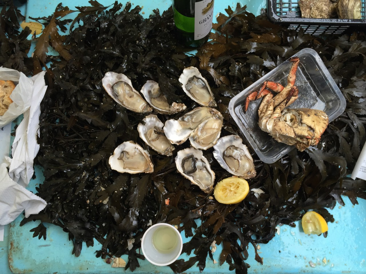 A Historic International Agreement Demands Oysters and Wine forBreakfast