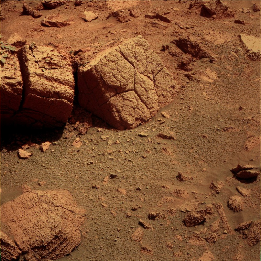 Oppy reaches the Chocolate Hills... (6/6)