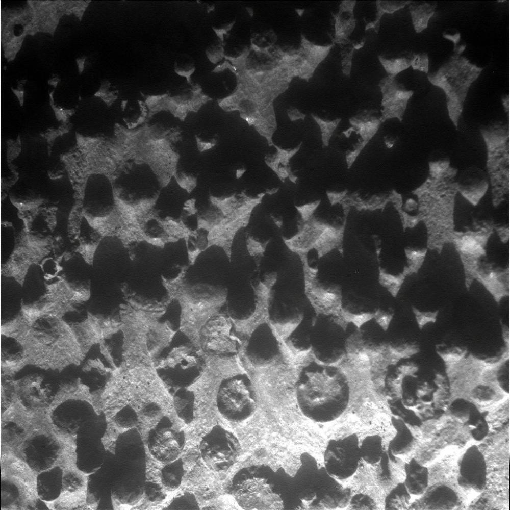 Opportunity zooms in on Fin outcrop (2/4)