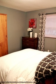 Burgandy Bedroom - Queen Bed