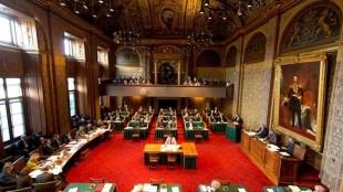 De Eerste Kamer van de Staten-Generaal - aan het werk (foto staten-generaal.nl)