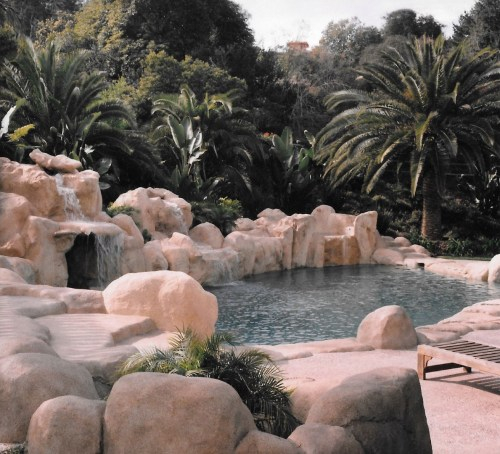swimming pools fish ponds (11)