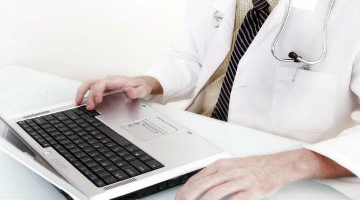 Medici din România au lansat primul spital online din Europa. Vezi cât costă o consultație: