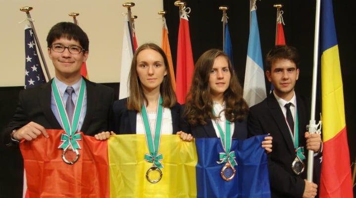 Felicitări! Elevii romani au obtinut trei medalii de argint si o medalie de bronz la Olimpiada Internationala de Stiinte ale Pamantului 2016