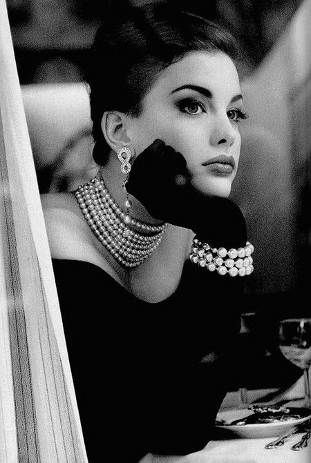 put a pearl on it 16 liv tyler
