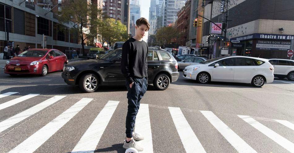 Tiene 16 años y vive solo en Nueva York haciendo Apps