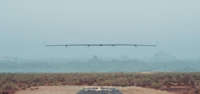El primer vuelo del avión solar de Facebook