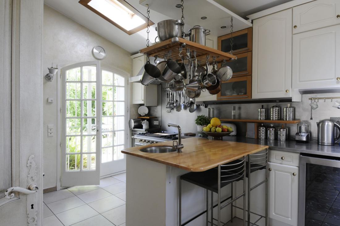 country style kitchen ideas with compact layouts traditional kitchen ideas County Kitchen Traditional kitchen design