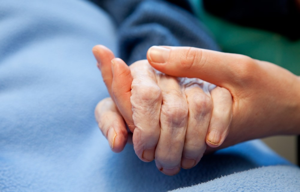 old-hand-care-elderly